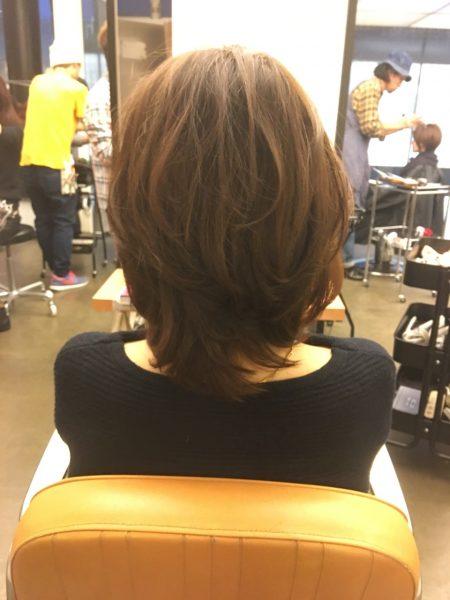 髪に段差を入れて柔らかな動きを
